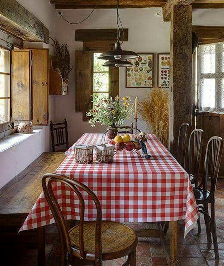 Country Home Decorating With Gingham Pattern